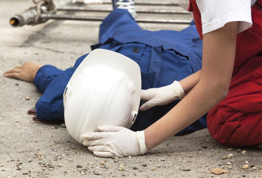 Supports for career change for victims of occupatonal accident